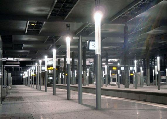 Polycarbonat Abdeckung, Leuchtenstele, Bahnhof